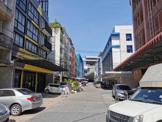For RentShophousePinklao, Charansanitwong : ให้เช่าอาคารพาณิชย์4.5 ชั้นย่านปิ่นเกล้า แยกไฟฉาย ใกล้MRTสถานีไฟฉาย