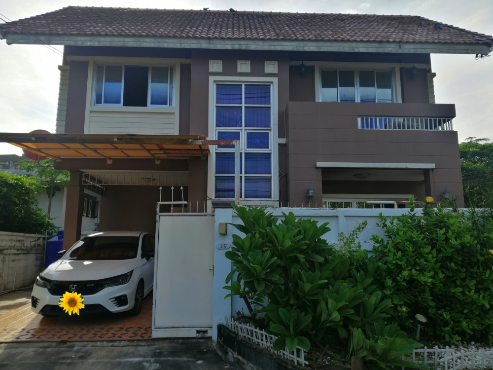 For RentHouseRama9, RCA, Petchaburi : 2-storey detached house for rent, new decoration, 58 sq m., 2 bedrooms, 2 bathrooms, ready to move in, New Petchburi Road 47 Near Bangkok Hospital