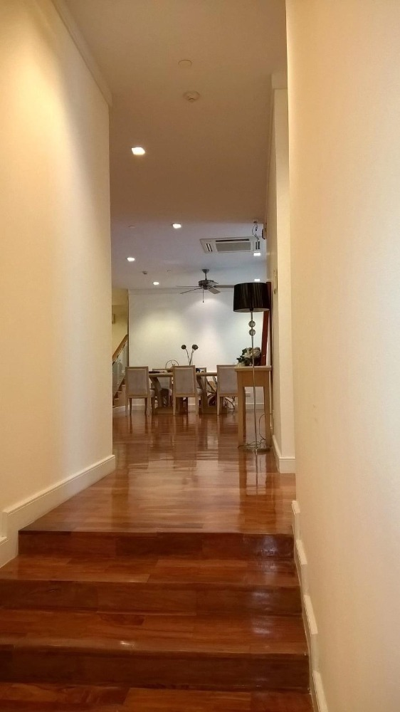 For RentCondoSukhumvit, Asoke, Thonglor : (3 beds 180 Sqm) Pet Friendly Condo @Sukhumvit 22 - 60,000 THB Negotiable