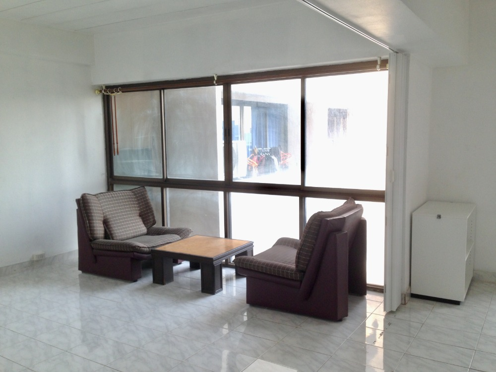 For RentCondoLadprao, Central Ladprao : Condo Four Street Phaholyothin 24 rooms 50 sq m. Fully furnished + Air. Inexpensive rental