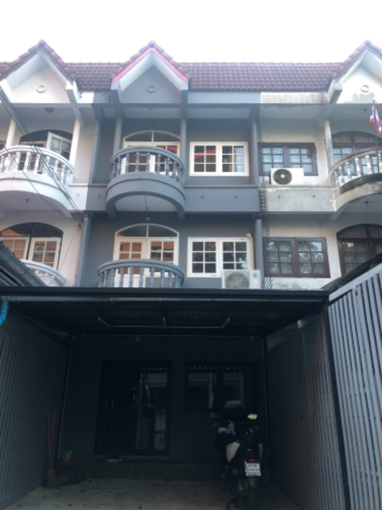 For RentTownhouseRamkhamhaeng, Hua Mak : For Rent Townhome Ramkhamhaeng near ABAC Huamark
