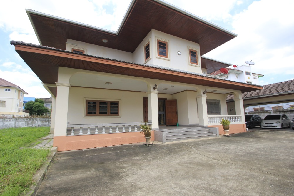 For SaleHousePinklao, Charansanitwong : House for sale Charansanitwong 13, Ratchapruek Road, Bang Waek 58, near the train, decorated, built in teak wood, area 285.7 sq m, 665 sq m.