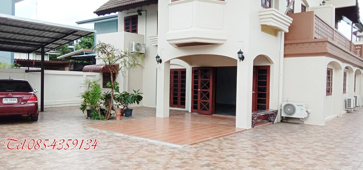 For RentHouseRatchadapisek, Huaikwang, Suttisan : House for rent near MRT Ratchada Ladprao, suitable for residential office