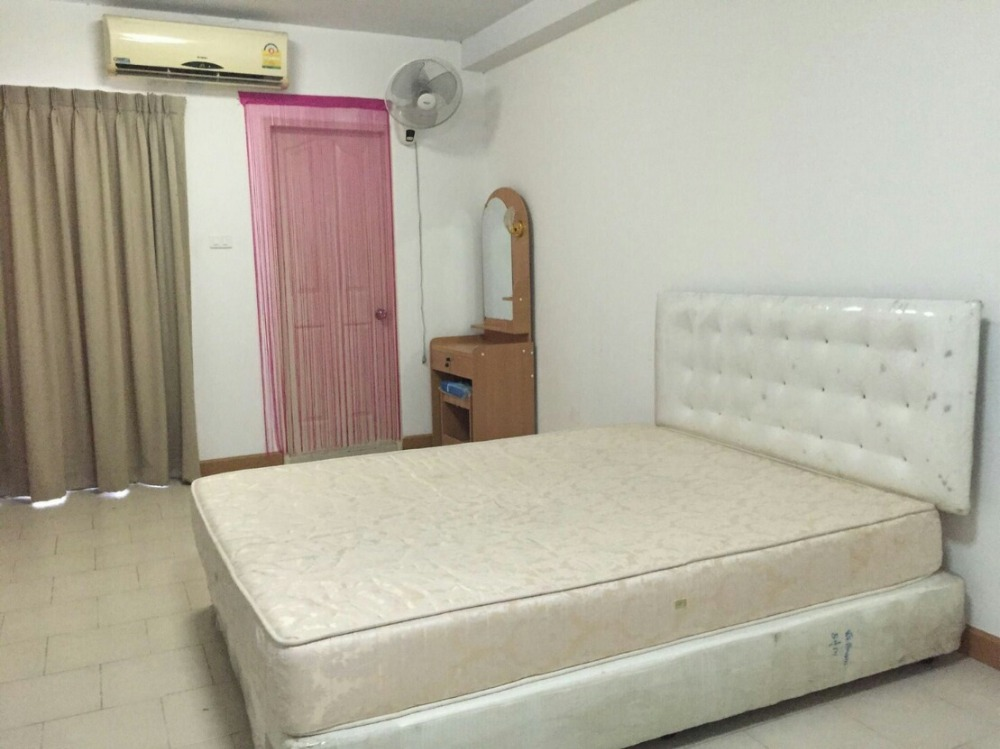 For SaleCondoPinklao, Charansanitwong : Condo for sale cityhome Ratchada Pinklao, near the MRT, Bang O, sell with tenants.