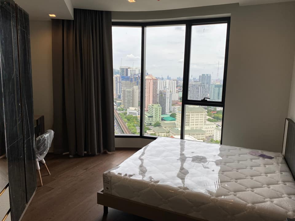 For RentCondoAri,Anusaowaree : For rent, Ideo Q Victory, 1 bedroom, 1 bathroom, 35 sq m. South, very good wind, high floor, fully furnished room, new room, contact 095-547-7160.