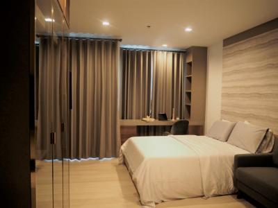 For RentCondoWitthayu,Ploenchit  ,Langsuan : Luxury Condo, High floor, convenient transportation, both Chalerm Mahanakorn Expressway BTS Ploenchit And the bridge pier. CD204219