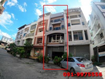 For SaleTownhouseOnnut, Udomsuk : 4-storey townhome for sale, Sukhumvit 62, near BTS Bang Chak 200 meters, near Chalong Rat Expressway, Ram Inthra - Narong.
