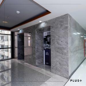 For RentOfficeRatchathewi,Phayathai : Near BTS Phaya Thai, Siripinyo Building, free rental for 1 month !! *