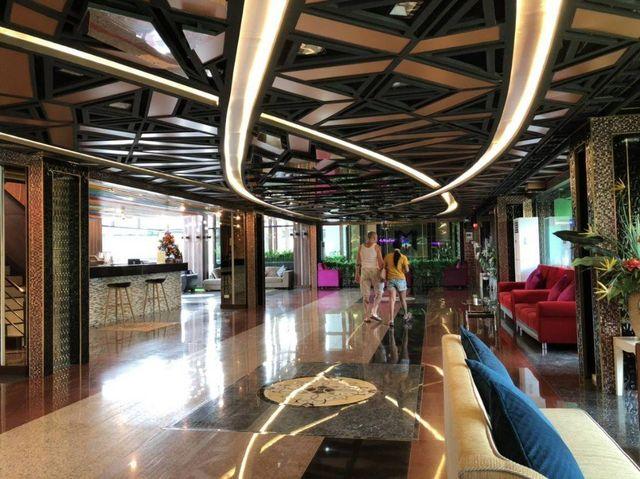 ขายขายเซ้งกิจการ (โรงแรม หอพัก อพาร์ตเมนต์)เลียบทางด่วนรามอินทรา : ขายโรงแรม 4 ดาว 90 ห้อง ใกล้ตลาดนัดเลียบด่วนรามอินทรา  กรุงเทพฯ