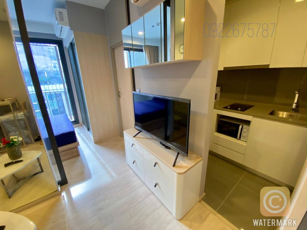 For SaleCondoSukhumvit, Asoke, Thonglor : [Owner post] High floor one bedroom, sell with tenants who lives alone with no pets.
