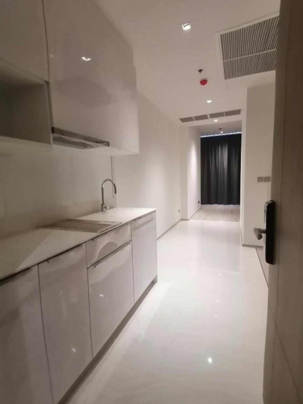 For SaleCondoSilom, Saladaeng, Bangrak : Until the end of this month only Ashton silom size 50 sq m price 9,567,000 baht interested call 0654649497