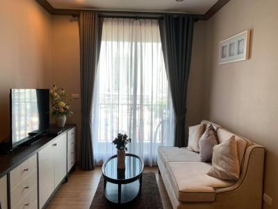 For RentCondoSiam Paragon ,Chulalongkorn,Samyan : +++ Urgent rental +++ Spacious room, beautiful decoration ++ THE RESERVE KASEMSAN 3 +++ 1 room 39 sq m, beautiful room, simple but fully equipped.