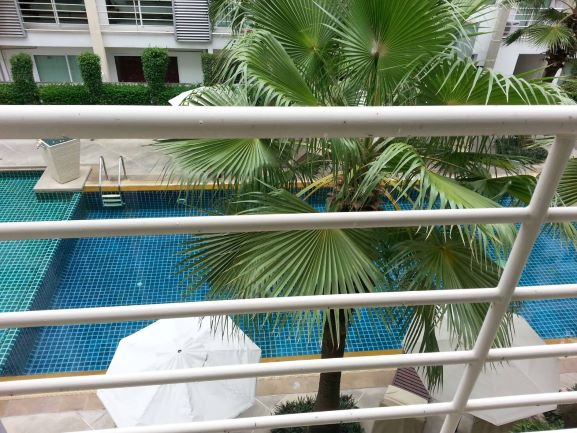 For SaleCondoThaphra, Wutthakat : Condominium for sale : Metro Park Sathorn Phase 1 C Building 3rd floor , Corner room , windy , 1 bed room , 44 sqm. Swimming pool view , 2 elevator , 1 car park.