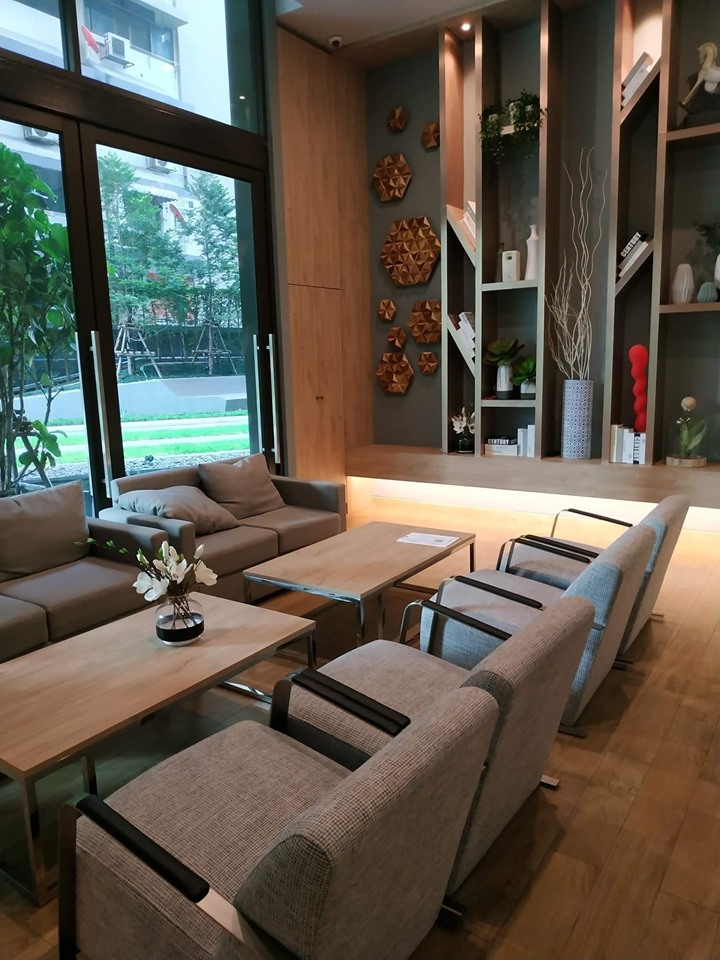 For SaleCondoRatchathewi,Phayathai : Urgent sale, very cheap, Condo Lumpini Suite Din Daeng Ratchaprarot, near the monument to Din Daeng.