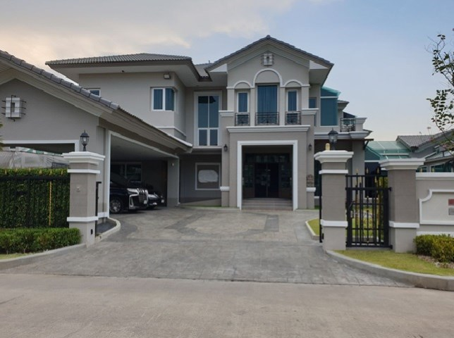 For SaleHouseChengwatana, Muangthong : House for sale, 2 storey house for sale, luxury mansion, Prukpirom Village, Ratchaphruek-Rattanathibet, corner house facing south with lift, private pool, furniture, near MRT Bang Rak Yai