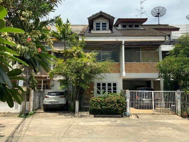 For SaleTownhouseAri,Anusaowaree : 3 storey townhome for sale, Soi Phaholyothin 2, good location, near BTS Ari and Sanam Pao, special price.