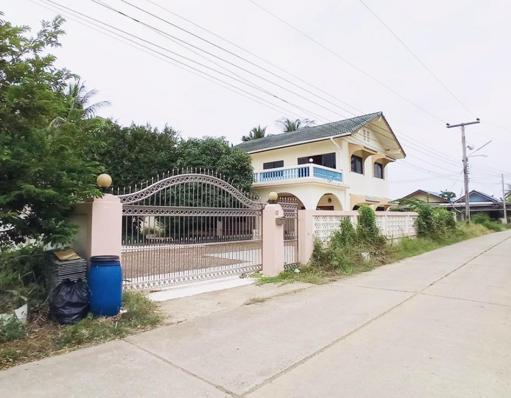 For SaleHouseCha-am Phetchaburi : Selling very cheap !! 2-storey detached house, 3 bedrooms, 3 bathrooms, 156 sq.w. * Parking in the house up to 8 cars * Khao Yoi District, Phetchaburi