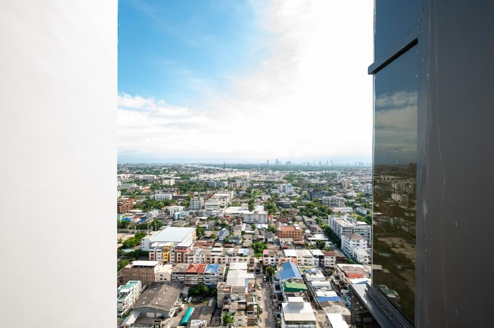 For SaleCondoOnnut, Udomsuk : The Line 101, the view of Bang Krachao, high floor that everyone is looking for !!!