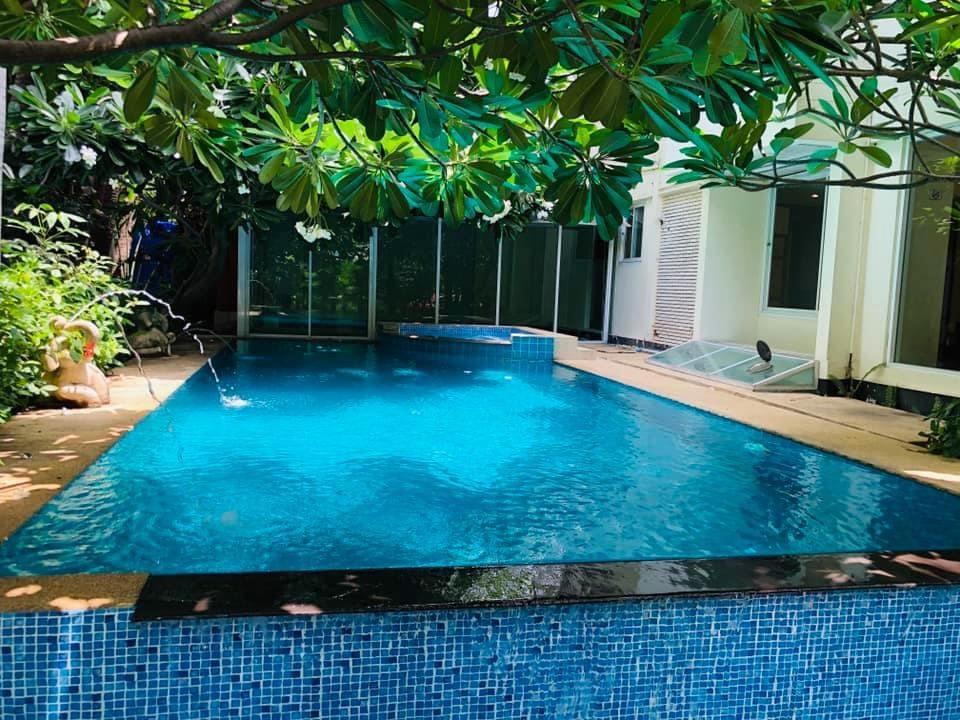 For RentHouseSukhumvit, Asoke, Thonglor : Single house at Sukhumvit soi 31 for rent
