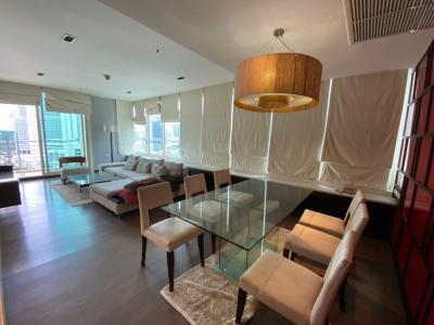 เช่าคอนโดสุขุมวิท อโศก ทองหล่อ : คอนโด- ให้เช่า @ในซอยสุขุมวิท 24 - 3 ห้องนอน 3 ห้องน้ำ + 1 ห้องแม่บ้าน - 145 ตรม (ต่อรองได้) 85,000 บาท