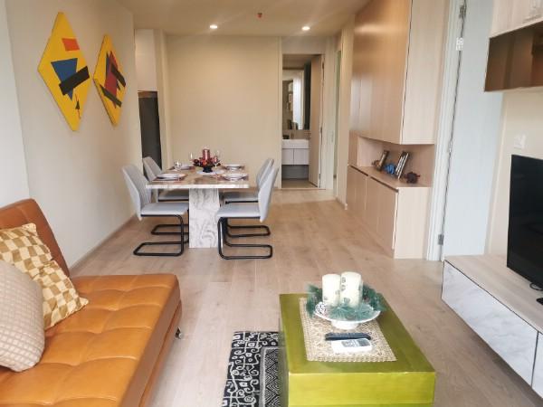 เช่าคอนโดสุขุมวิท อโศก ทองหล่อ : Noble Recole Sukhumvit 19 Condominium 2 bedrooms for rent โนเบิล รีโคล สุขุมวิท 19 คอนโดมิเนียมหรู 2 ห้องนอน 2 ห้องน้ำ ให้เช่า ใกล้กับจุด Interchange ของรถไฟฟ้า BTS อโศก และ MRT สุขุมวิท เพียง 500 เมตร