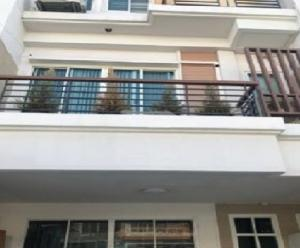 For RentTownhouseKaset Nawamin,Ladplakao : Townhome for rent 3-storey townhome project Panasiri Residence Kaset-Nawamin Prasert Manukit 29, Soi Mayalap, good location, decorated as an office Suitable as a company registered office