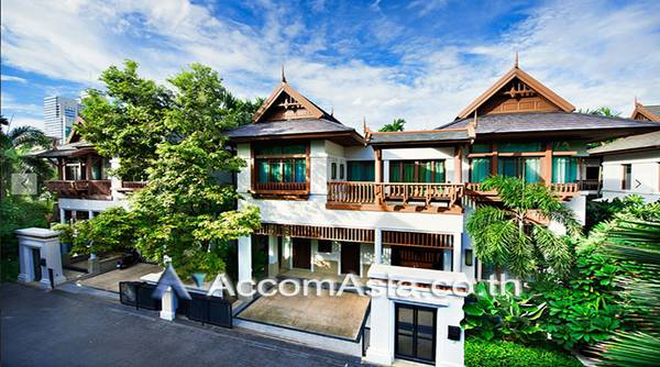 For RentHouseSathorn, Narathiwat : Exclusive single house with private swimming pool in compound .