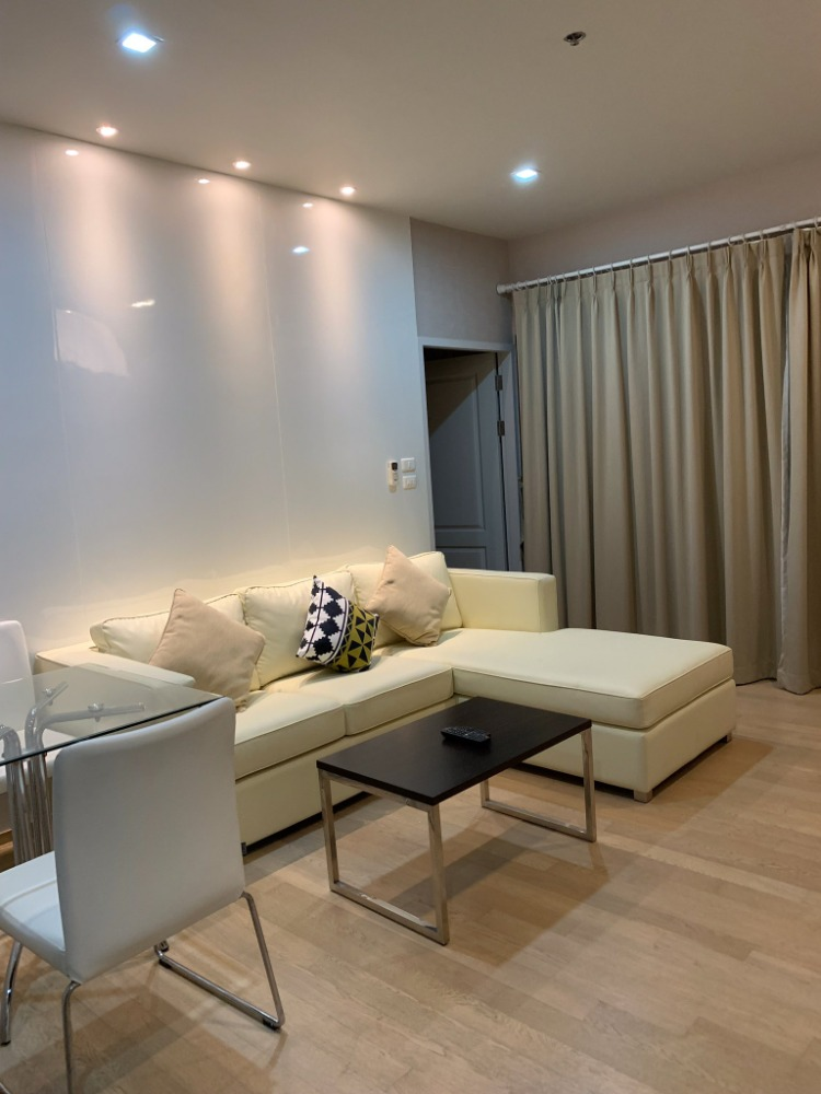 For SaleCondoSukhumvit, Asoke, Thonglor : The room fell new !!! Noble Refine 1 bedroom cheapest in the building !!! Price is 13x per sqm., Xxx High Floor.