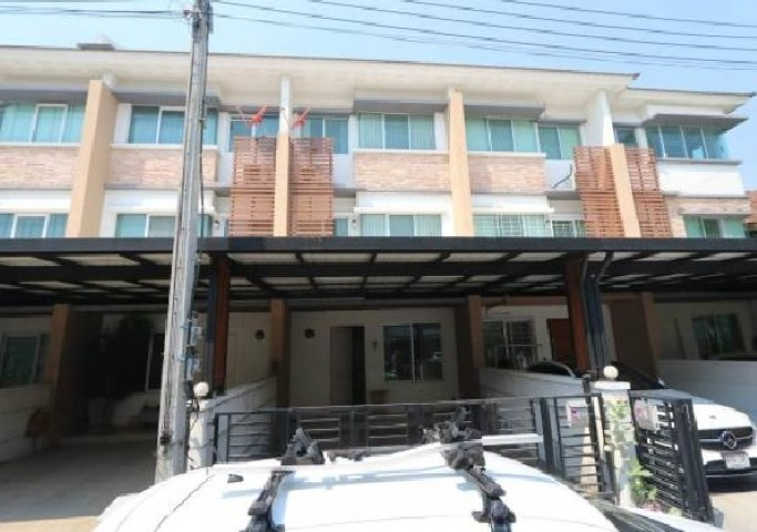 For RentTownhouseKaset Nawamin,Ladplakao : Rent 3-storey townhome, Town Plus Agriculture - Nawamin TownPlus, fully furnished, 4 air conditioners, company registration.