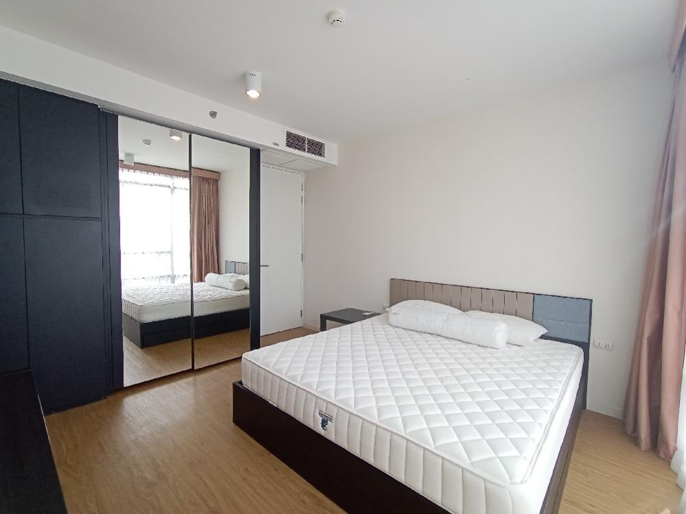 For RentCondoSilom, Saladaeng, Bangrak : Siamese Surawong Condo 1 bed
