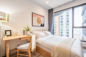 For RentCondoRama9, RCA, Petchaburi : For rent, IDeo Mobi Asoke, beautiful room, ready to move in, free wifi, interested in viewing the room, view the room, contact 082-459-4297