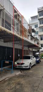 For RentShophouseSathorn, Narathiwat : 3-storey commercial building for rent Near St. Louis morning market