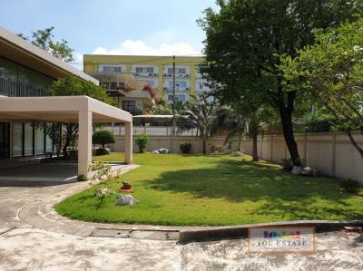 ขายบ้านพระราม 9 เพชรบุรีตัดใหม่ : ขายบ้านเดี่ยว 3 นอน เอกมัย ซอย 22 600 ตรม ที่ดิน 2 งาน 64 ตรว