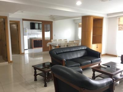 For RentCondoSukhumvit, Asoke, Thonglor : @BTSPrompong - Royal Castle Sukhumvit 39 (3 Beds 3 Baths + 1 Maid) 160 sqm / 50,000 THB (Negotiable)