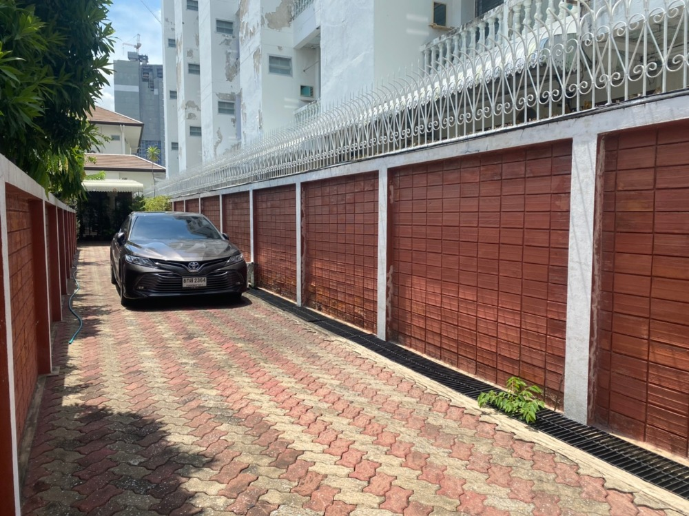 For SaleLandLadprao, Central Ladprao : House with land area 115 sq m.