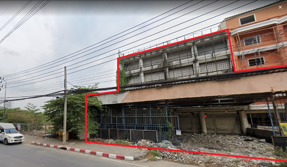 For RentShophouseBangbuathong, Sainoi : --- For rent --- Commercial building, Bang Phlu, 4 booths, gold location, very good feng shui. Suitable for trading