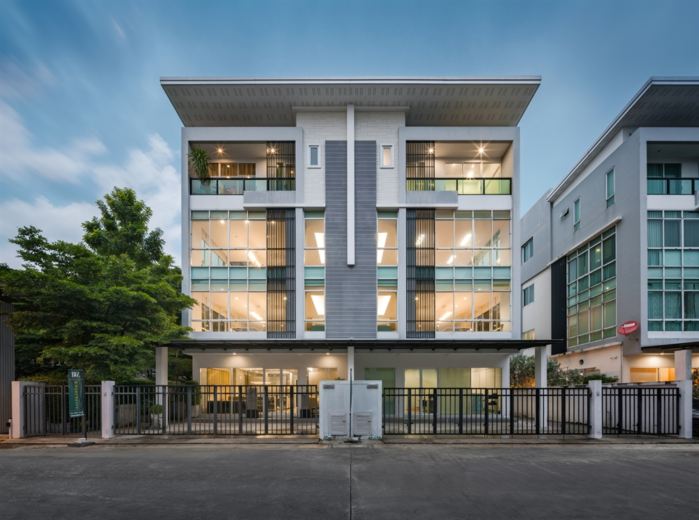 For SaleHome OfficeKaset Nawamin,Ladplakao : [Rare Item!] Home Office 4 floors, Biz Galleria, size 475 sq m, the most Nuanchan-Kaset Nawamin zone, 8 parking spaces.