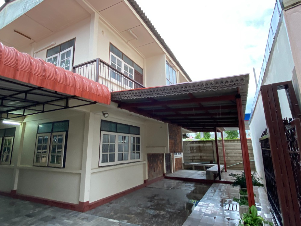 For SaleHouseMaha Sarakham : 2 storey house for sale + 139 square meters of land. Near occupation.