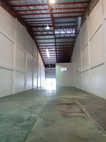 For RentFactoryBangna, Lasalle, Bearing : For rent, factory, warehouse, Bang Phli district, Samut Prakan, can request Rong.4 certificate, can produce food or snacks.