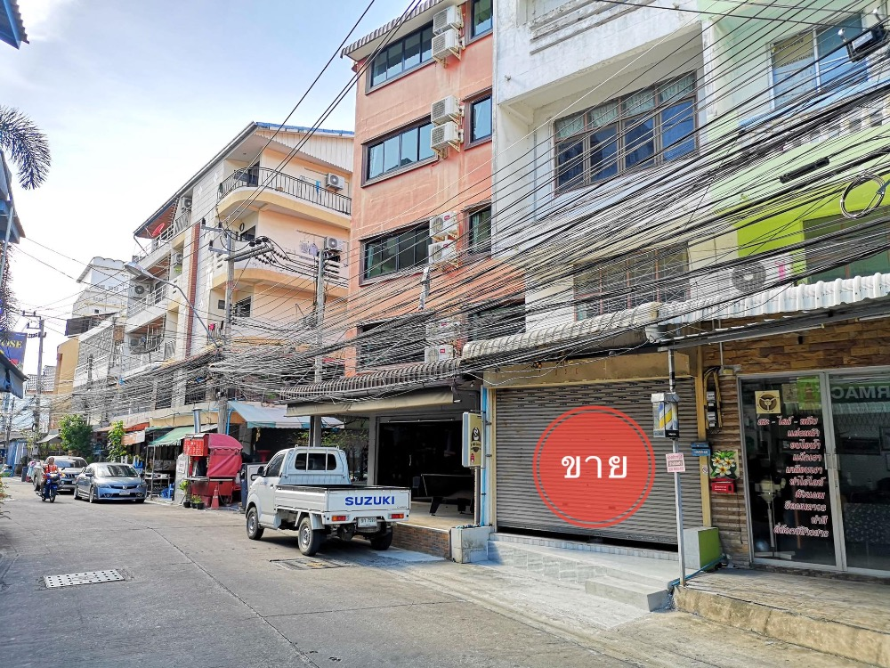 For SaleShophousePattaya, Bangsaen, Chonburi : Urgent sale, commercial building, South Pattaya, Soi Pattaya Second Line 18 suitable for Doing hostel business / guest room / dental clinic / general clinic / pharmacy