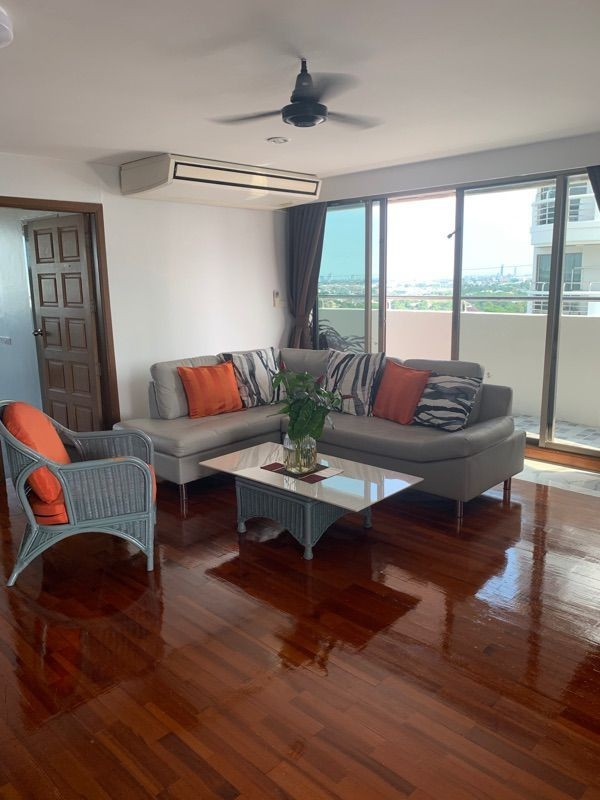 For RentCondoPattanakan, Srinakarin : ✅ For rent, Flora Ville near Airport Link, size 172 sq m, complete with furniture and electrical appliances ✅