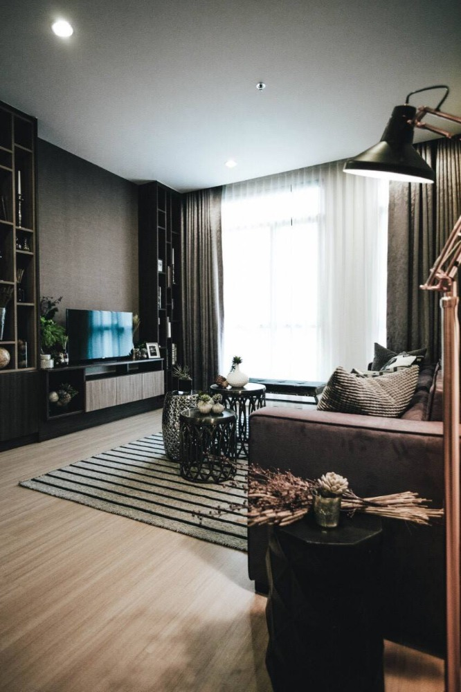 For SaleCondoRama9, RCA, Petchaburi : 3 bedroom condo for sale, beautiful room with private garden, very good price