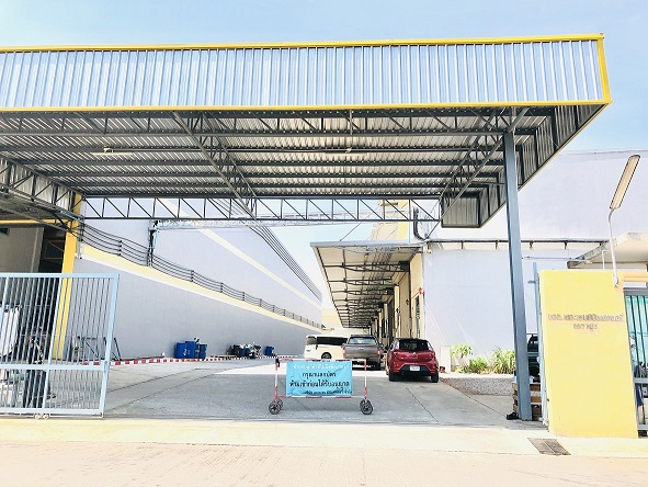 For RentFactorySamut Sakhon : Factory / Warehouse for rent For doing business, suitable for SMEs in Soi Phanthainorasing, Samut Sakhon Province, near Assumption Campus, Rama 2, usable area of 300 - 800 sq m. 100 baht per project road, 10 meters wide, 24 hours guards with CCTV