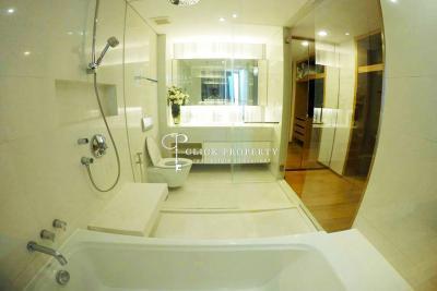 ขายคอนโดสุขุมวิท อโศก ทองหล่อ : ✦ Below Market Price ✦ High floor 60 sqm ✦ ขาย Sale Aequa Sukhumvit 49 for sale 1bedroom 350meters ถึง BTS Thonglor | Thonglor - Sukhumvit 49 Condominium Apartment (เอควา สุขมวิท 49)