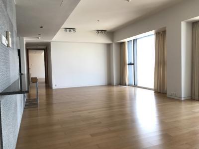 เช่าคอนโดสาทร นราธิวาส : Rent The Met 3 Bedroom