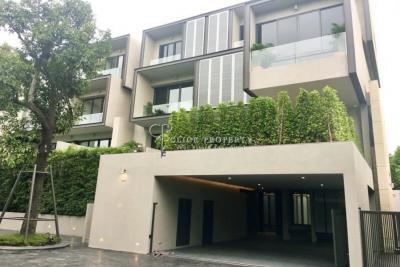 เช่าทาวน์เฮ้าส์/ทาวน์โฮมสุขุมวิท อโศก ทองหล่อ : ✦ 4beds - 4baths ✦ for RENT Sukhumvit house with private pool BTS Ekkamai | Modern Super Luxury style near ห้าง Gateway Ekamai mall | ให้เช่า บ้าน ทาวน์โฮม ทาวน์เฮ้าส์ สุขุมวิท เอกมัย 10
