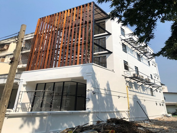 For RentHome OfficeOnnut, Udomsuk : 4.5 storey home office for rent, renovated, 360 sq m, suitable for office, Sukhumvit 62 Road, up and down expressway, rental price 65,000 baht / month