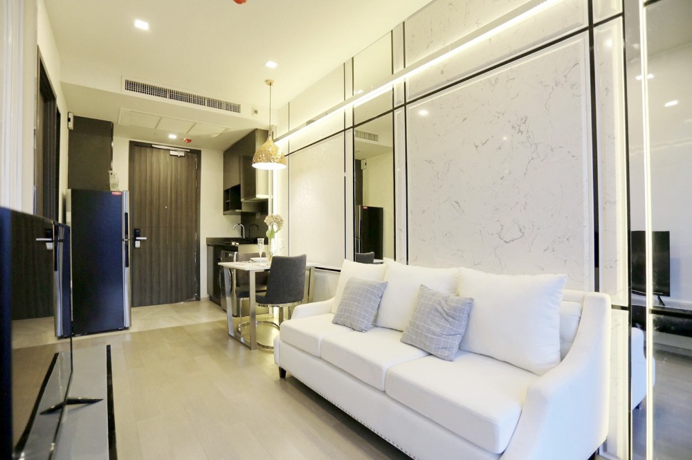 For RentCondoSukhumvit, Asoke, Thonglor : The bright and well 1 bedroom For Rent Ashton Asoke