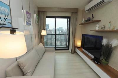 เช่าคอนโดพระราม 9 เพชรบุรีตัดใหม่ : Life Asoke ให้เช่า 2 ห้องนอน 55 ตรม. ชั้นสูง ห้องสวย โทนสว่าง เฟอร์นิเจอร์ครบ มีเครื่องซักผ้า เพียง 25,000.- เท่านั้น