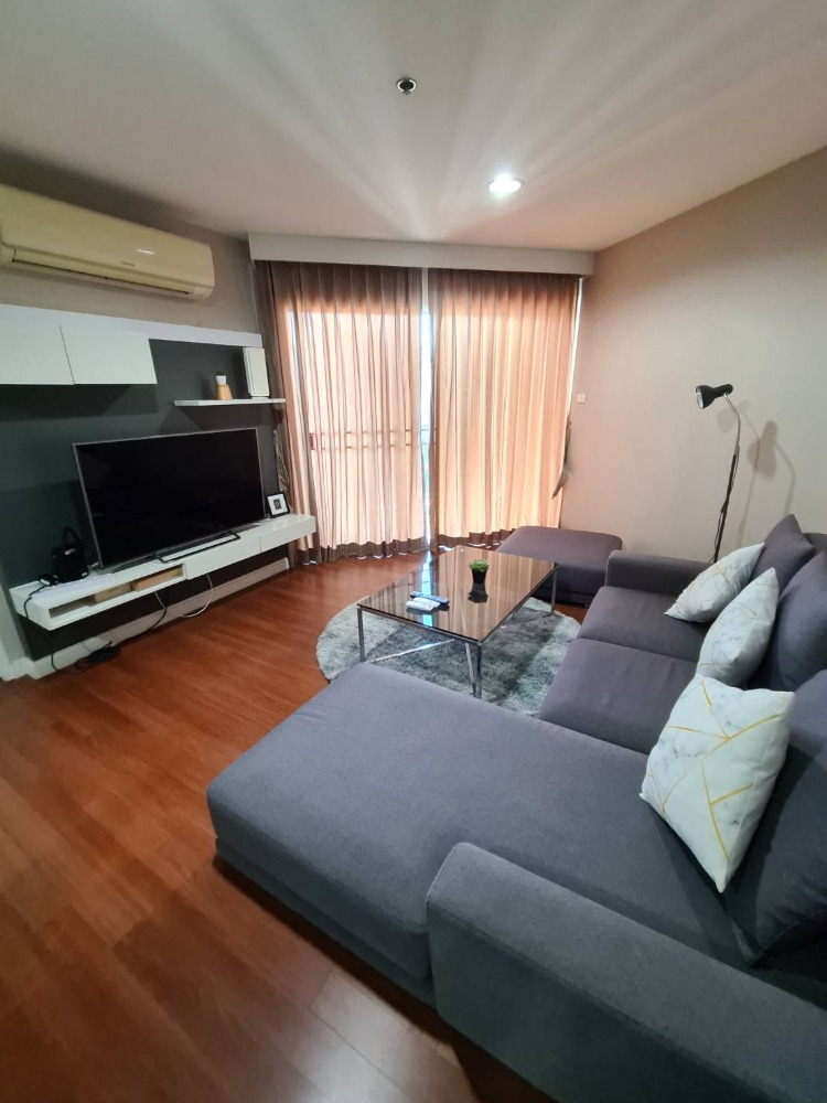 For RentCondoRama9, RCA, Petchaburi : Condo for rent, Belle Grand Rama 9, in the heart of the city, very convenient to travel.
